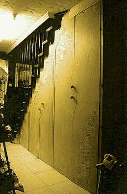 Singular armario empotrado bajo escalera - Armario bajo escalera ...
